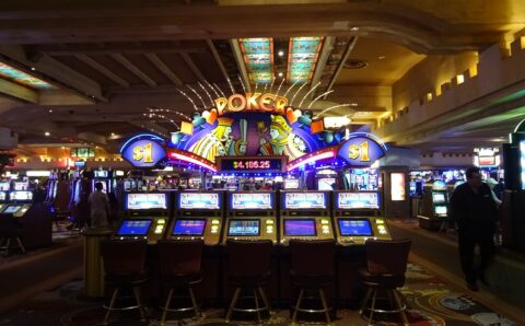 5 Reasons To Choose Playing Online Slots